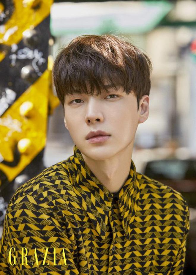 Showbiz đang loạn, Ahn Jae Hyun có động thái gây hoang mang trên Instagram - Hình 2