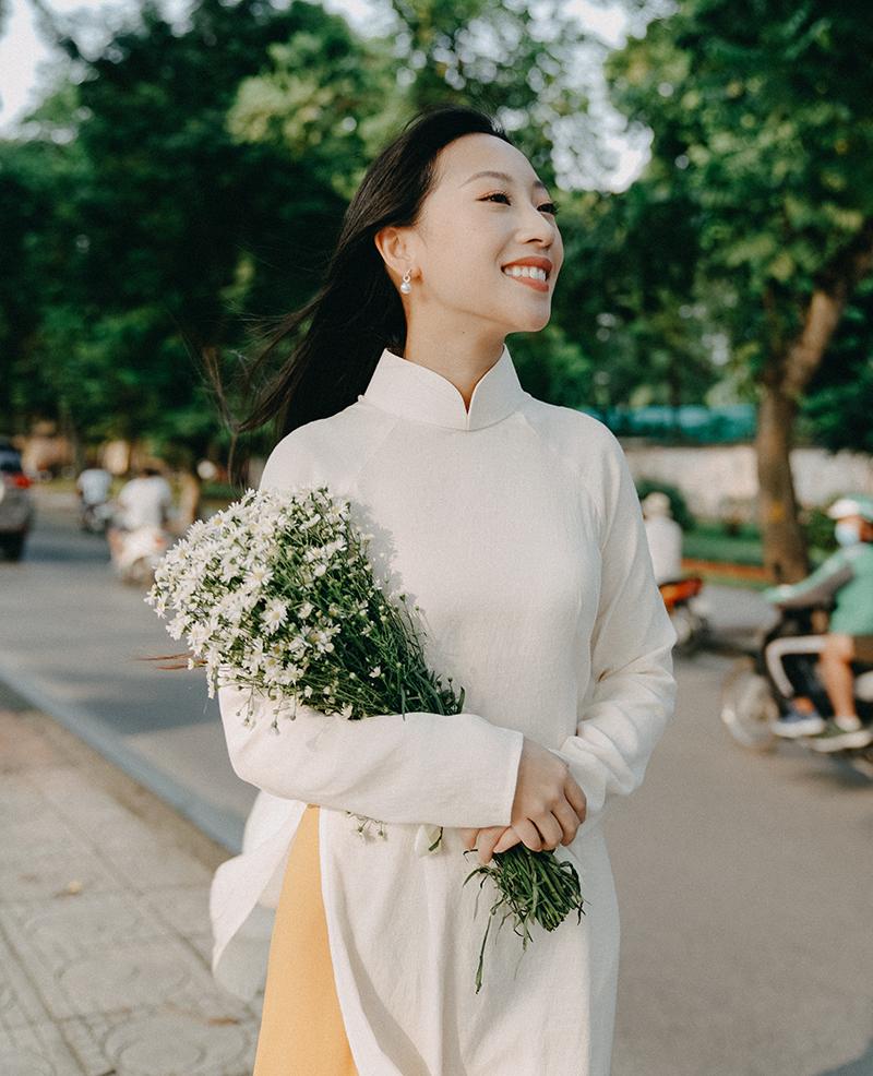 Trang Olive dày công làm clip về làng hương Việt Nam, những cảnh quay đẹp mãn nhãn như phim điện ảnh - Hình 1
