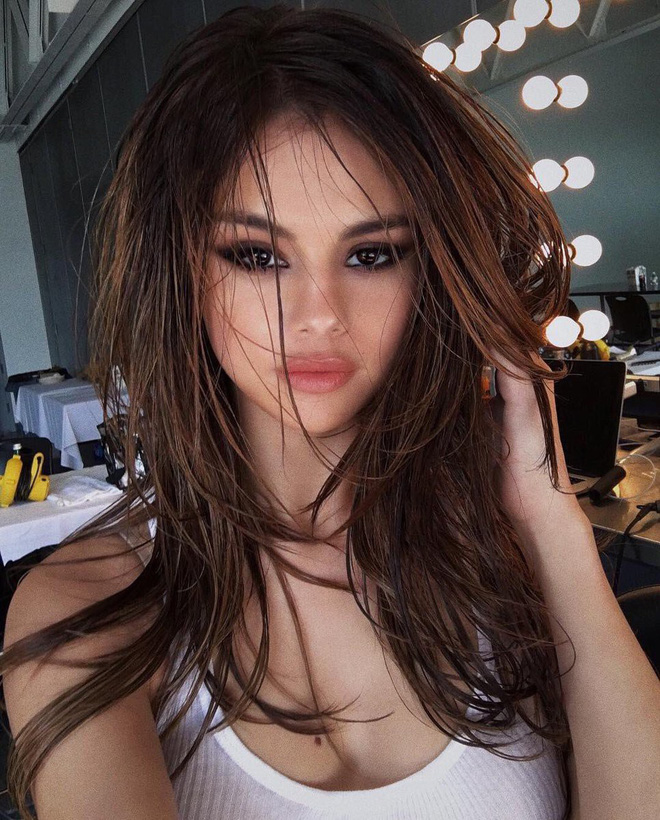 Cả dàn sao Chuyện ngày mưa ở New York đang gây bão vì nhan sắc: Nam chính lấn át cả Selena và nữ phụ cực phẩm - Hình 2