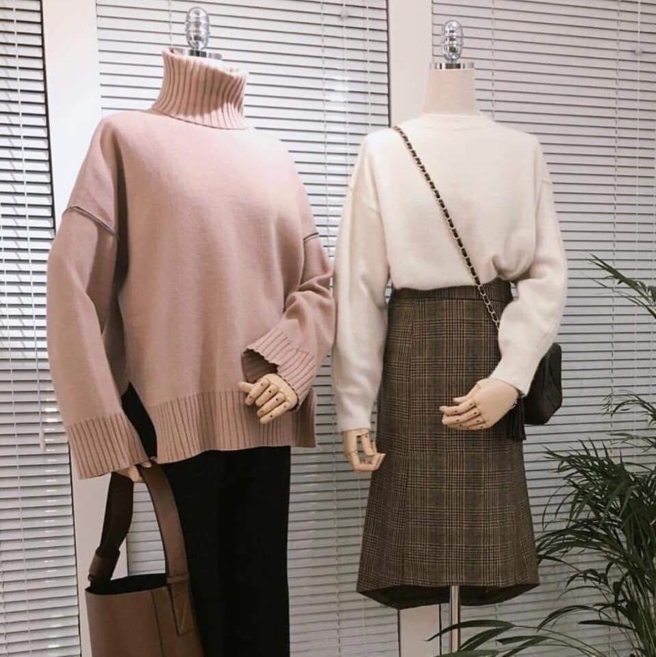 Mix áo len cổ lọ với chân váy siêu xinh, siêu năng động - Hình 2