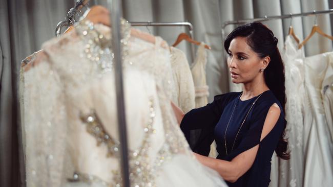 Những điều bạn cần phải xem xét kỹ trước khi quyết định mua váy cưới - Hình 1