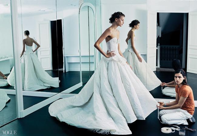 Những điều bạn cần phải xem xét kỹ trước khi quyết định mua váy cưới - Hình 2