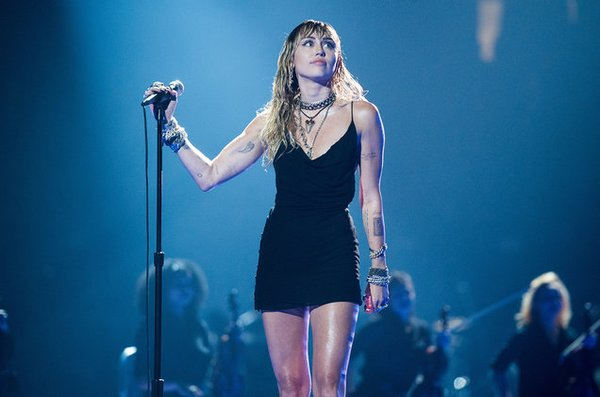Shawn Mendes và Cardi B hỗ trợ Miley Cyrus trong album mới! - Hình 1