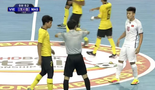 Việt Nam - Malaysia: Rượt đuổi kịch tính, thở phào phút cuối (Futsal ĐNÁ) - Hình 1