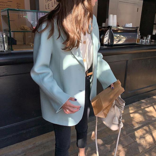 Miền Bắc se lạnh thật rồi, giờ thì các nàng tha hồ diện 5 kiểu áo khoác vừa ấm vừa đẹp chuẩn sống ảo Instagram - Hình 8