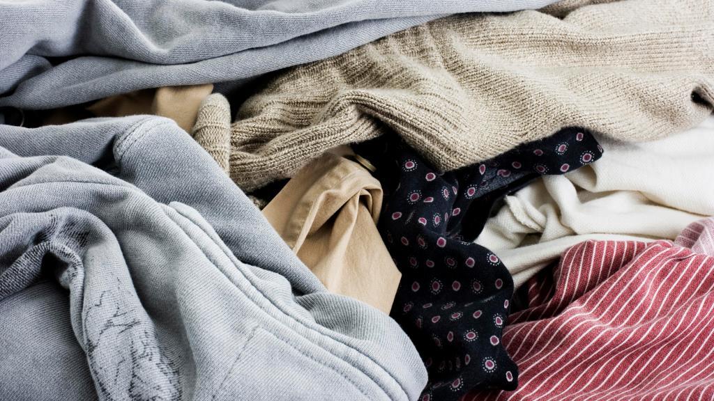 5 món đồ bạn cần giải phóng khỏi tủ quần áo - Hình 4