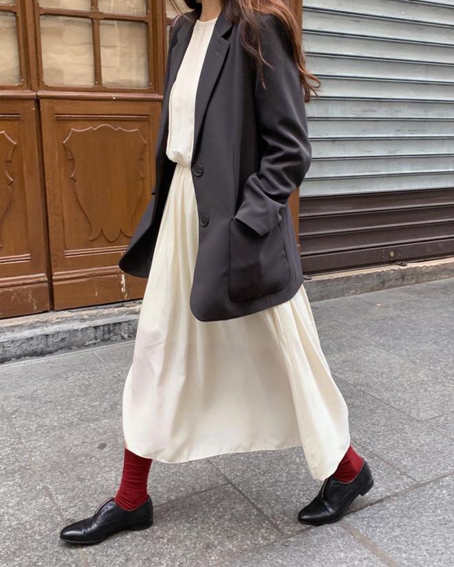 Cẩm nang mix đồ với chân váy dài: 8 công thức giúp bạn lên hương phong cách, ngày nào cũng được khen mặc đẹp - Hình 8