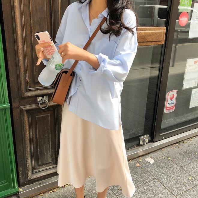 Cẩm nang mix đồ với chân váy dài: 8 công thức giúp bạn lên hương phong cách, ngày nào cũng được khen mặc đẹp - Hình 27