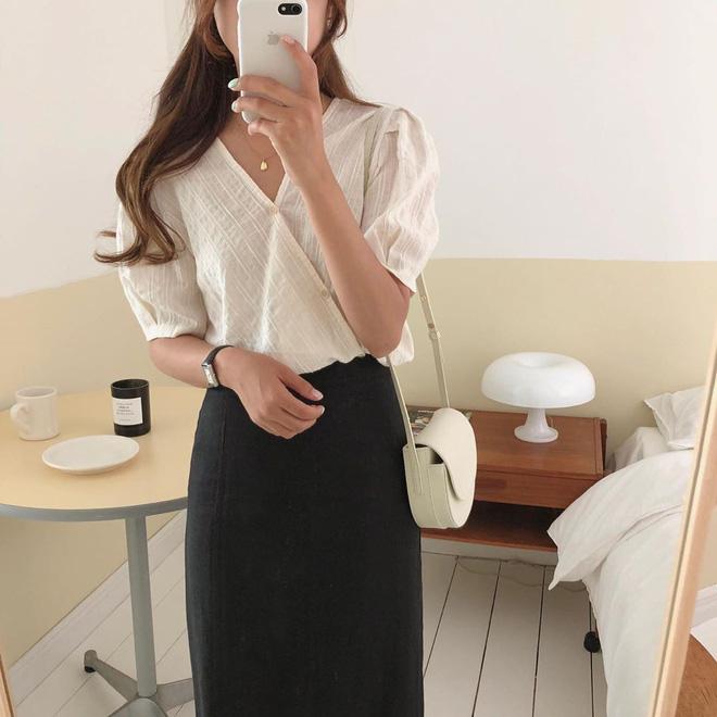 Cẩm nang mix đồ với chân váy dài: 8 công thức giúp bạn lên hương phong cách, ngày nào cũng được khen mặc đẹp - Hình 29
