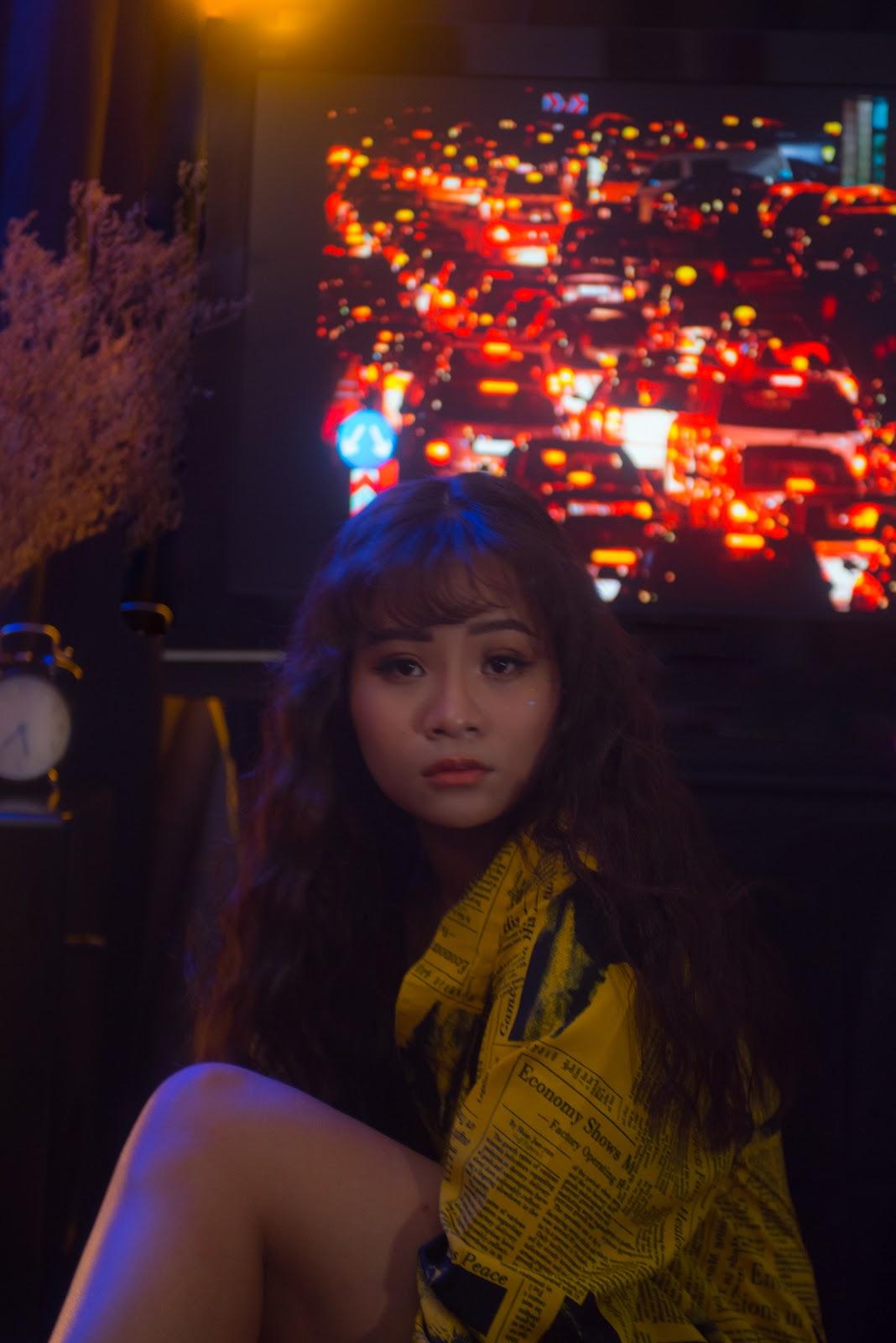 """MC Nguyen Kim Oanh """"noi loan"""" trong bo hinh moi"""