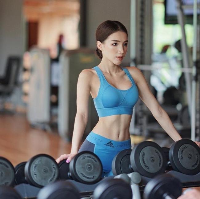 Gái Thái Lan giờ không đẹp yếu liễu đào tơ mà cơ bắp đầy sức mạnh - Hình 20