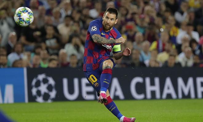 Messi gây chú ý trong ngày trở lại sau chấn thương - Hình 1
