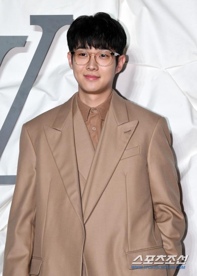 Màn đọ sắc đỉnh cao của Gong Yoo - Jung Woo Sung, Cha Eun Woo (Astro) và Sehun (EXO) tại sự kiện - Hình 13