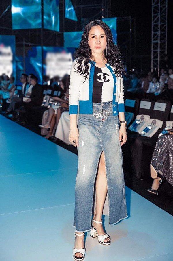 Cứ mỗi lần Phượng Chanel diện thứ này lên người là y như rằng lọt top mặc kém xinh - Hình 7