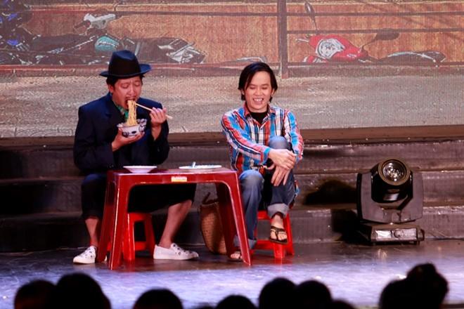 Hoài Linh, Trấn Thành và các nghệ sĩ gắn bó với sân khấu Trống Đồng - Hình 1