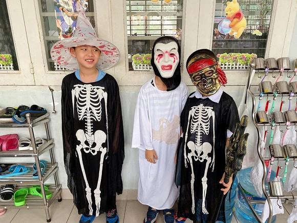 Sao Vbiz hoá trang độc đáo nhập hội Halloween, kéo đến dàn nhóc tỳ mới thích mắt vì như lạc vào thế giới phép thuật - Hình 9