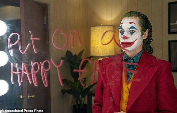 Joker đạt doanh thu ấn tượng 234 triệu USD trong cuối tuần công chiếu toàn cầu - Hình 1