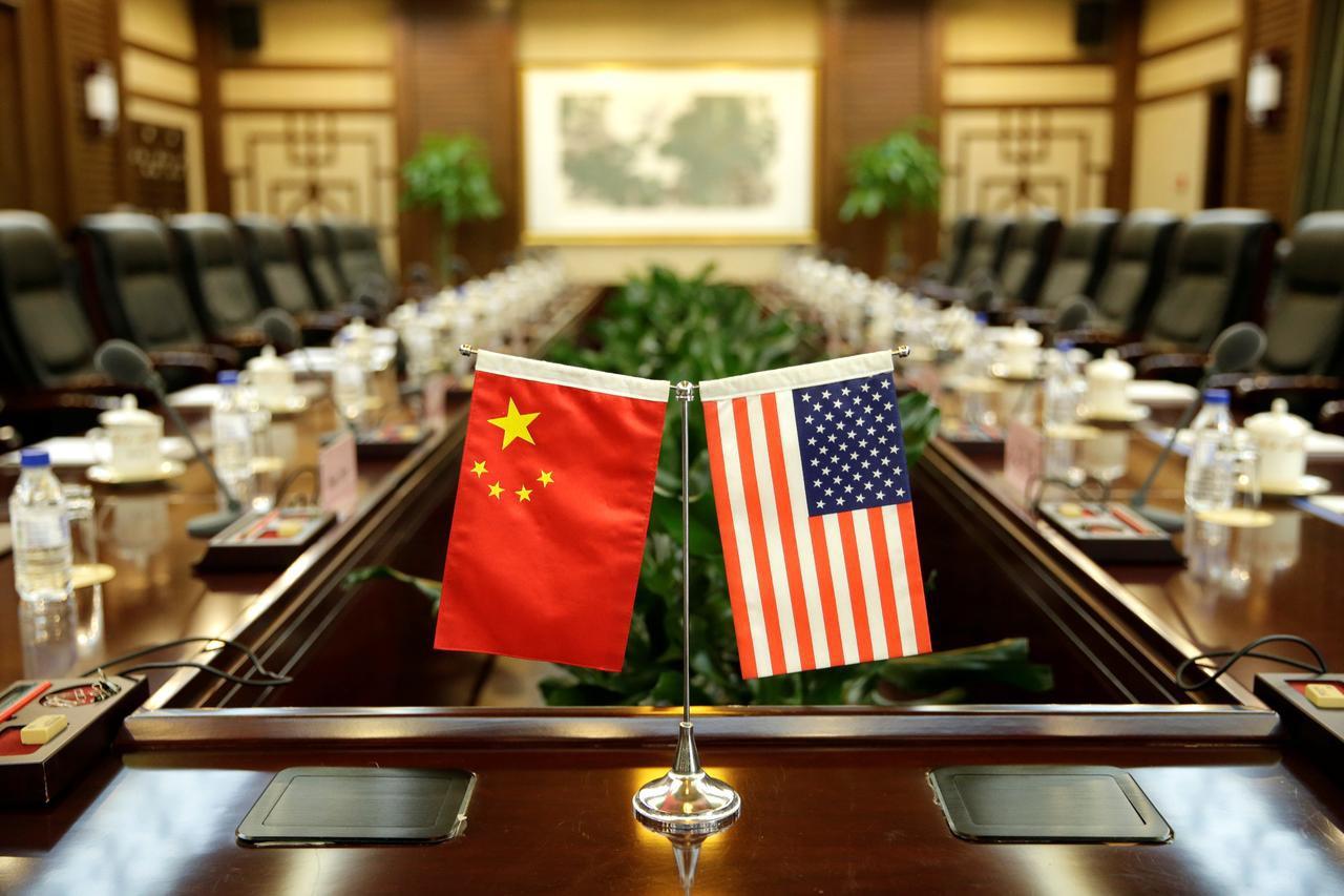 Ba ngày trước đàm phán, Mỹ bất ngờ trừng phạt 28 thực thể Trung Quốc và đe dọa gắn đàm phán với tình hình Hồng Kông - Hình 1