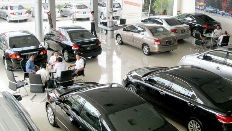 Các chi phí khi mua xe ô tô mới theo quy định hiện nay - Hình 1