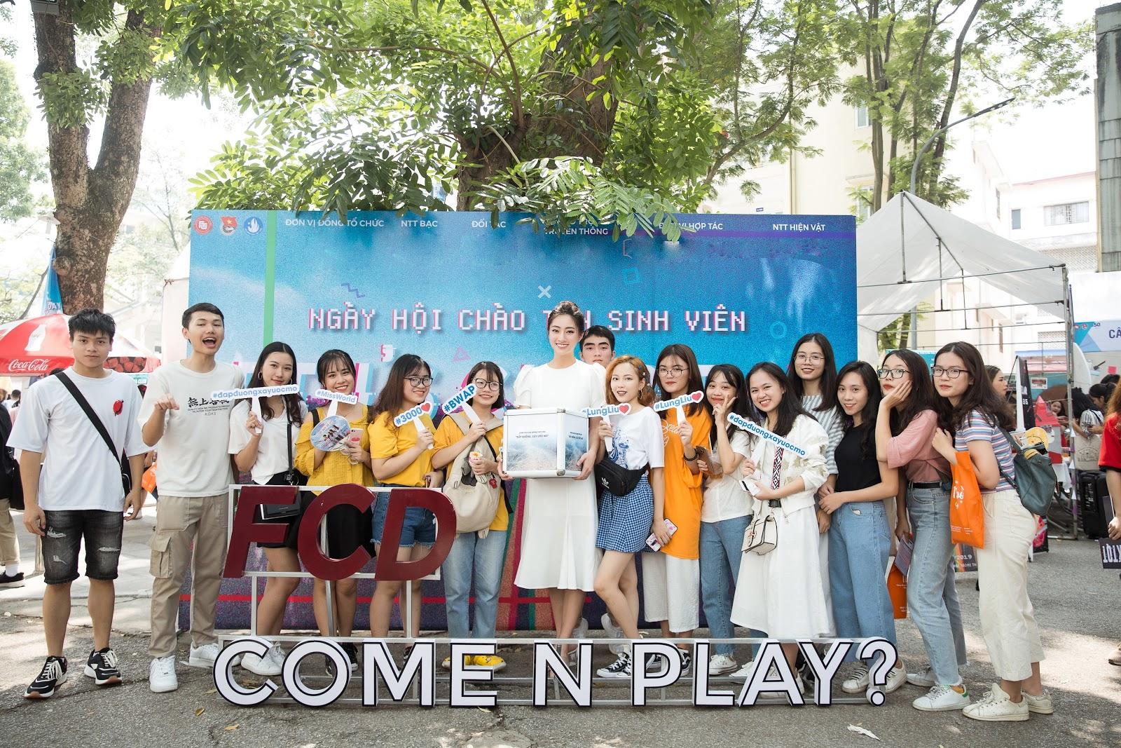Đích thân ôm thùng tiền kêu gọi quyên góp, Hoa hậu Lương Thuỳ Linh quyết tâm hoàn thành dự án nhân ái - Hình 2