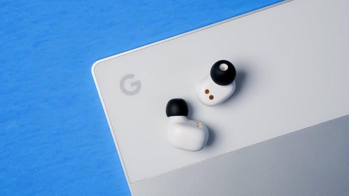 Google Pixel Buds 2 - Cạnh tranh với Apple Airpods và Echo Buds - Hình 2