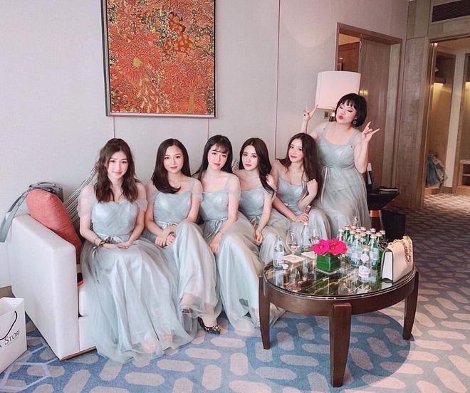Lộ diện dàn phù dâu xinh ngất ngây trong đám cưới rich kid Claret Giang Lê, có người là bạn thân tới 9 năm - Hình 1