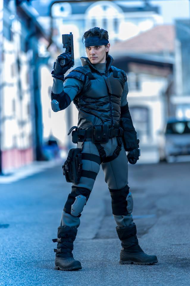 Rắn già điển trai Solid Snake - Hình 2