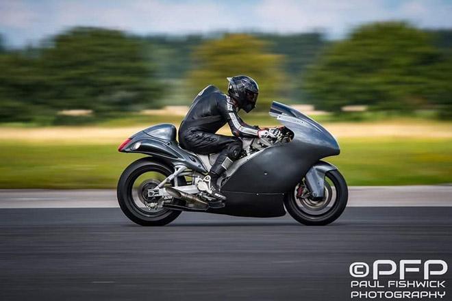 Suzuki Hayabusa đạt kỷ lục tốc độ 434 km/h, ngang Bugatti Veyron Super Sport - Hình 1