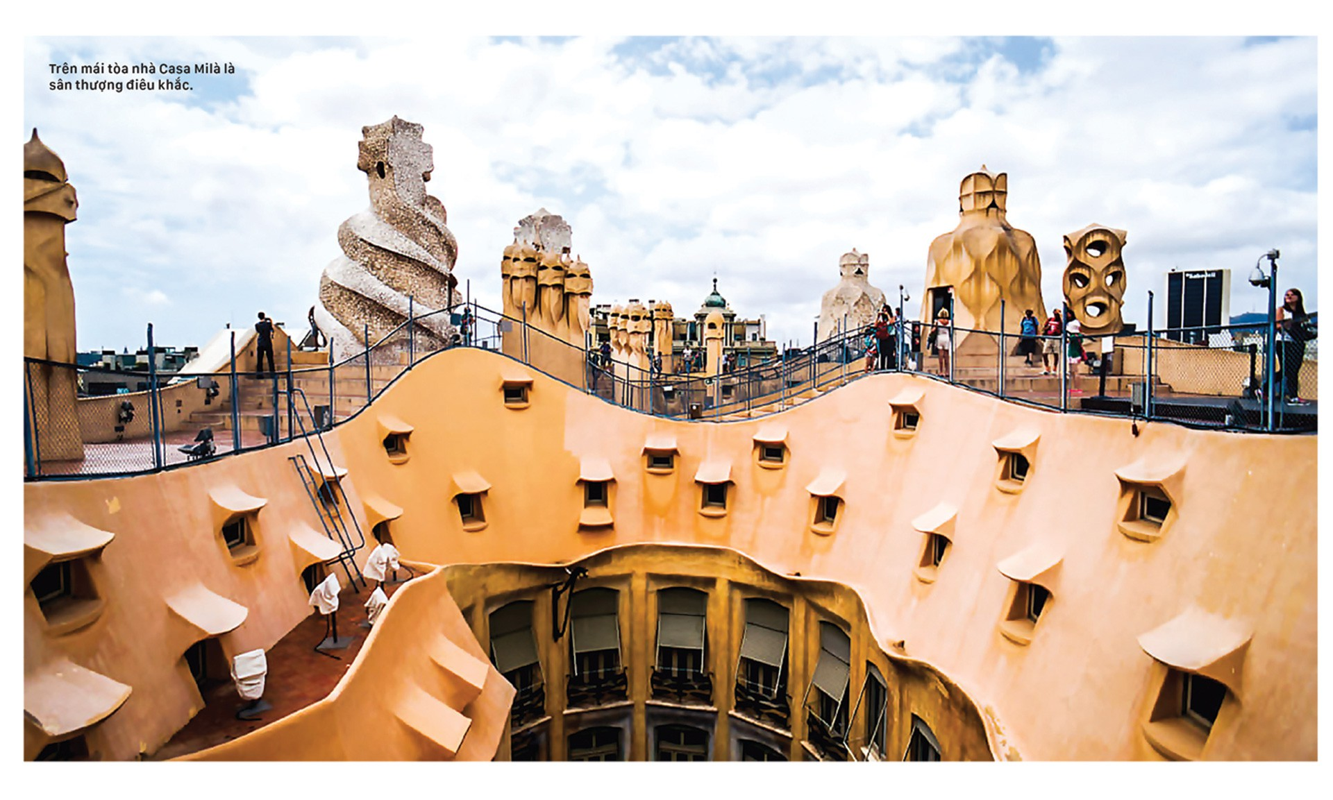 Thiên đường kiến trúc Gaudí ở Barcelona - Hình 2