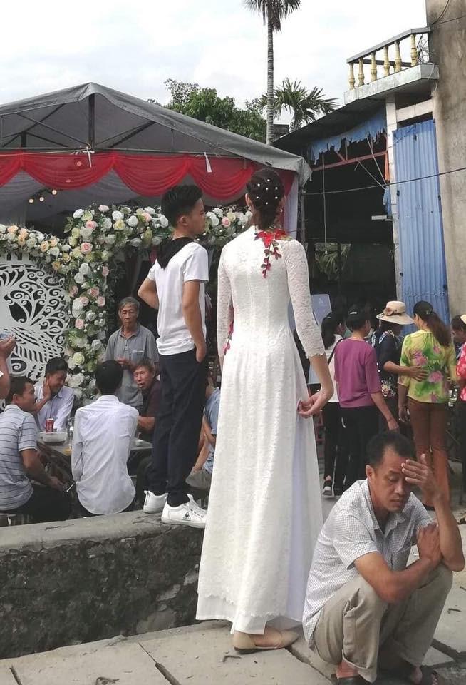 Thực hư đám cưới của chú rể Hải Phòng 1,4 m với cô dâu 1,94m đang gây xôn xao MXH - Hình 2
