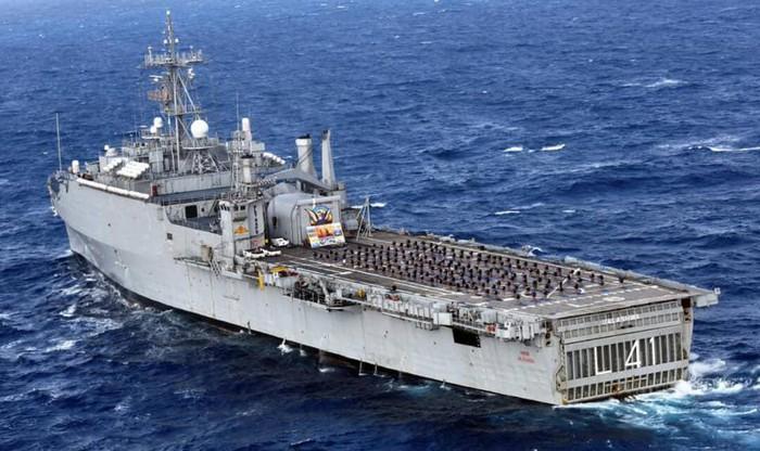 Ấn Độ mua tàu chiến Mỹ : Ràng buộc đủ đường, một lần tởn tới già - Hình 1