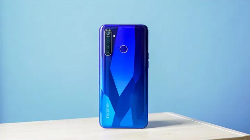 Đánh giá chi tiết Realme 5 Pro: Thiết kế mặt lưng ấn tượng, trang bị 4 camera - Hình 19