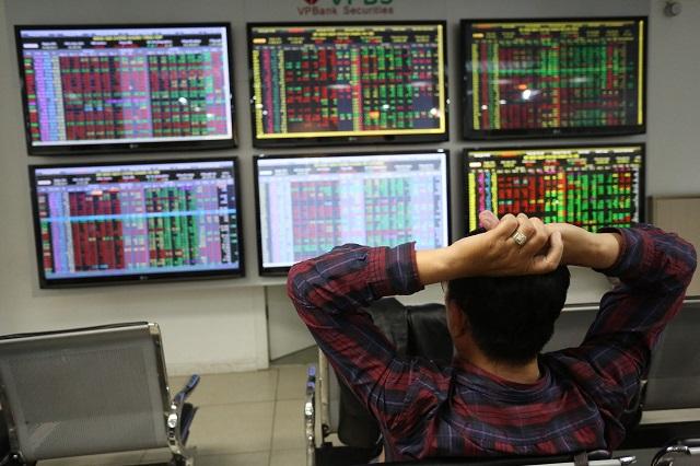 Đầu tư chứng khoán: Thận trọng tháng 10 - Hình 1