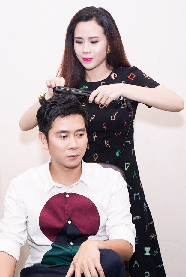 Hồ Hoài Anh lần đầu lộ diện cùng Lưu Hương Giang và con gái sau ồn ào ly hôn, đồ vật đặc biệt trên tay gây chú ý - Hình 4