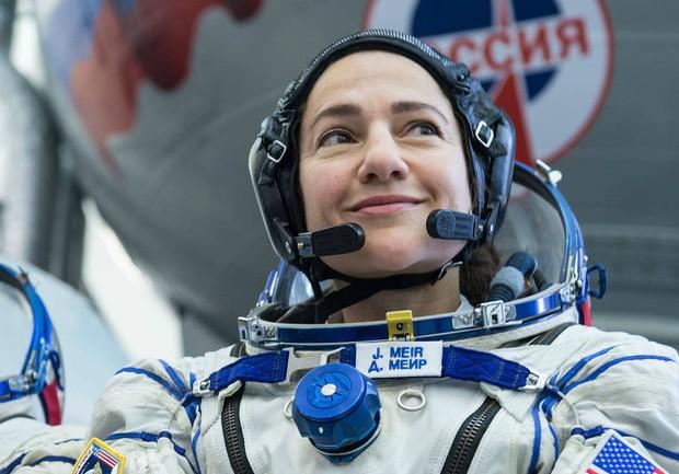 NASA tái khởi động đội nữ du hành gia đi bộ đầu tiên trong không gian - Hình 2