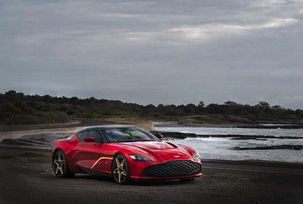 Siêu xe mạ vàng của Aston Martin có giá 7,2 triệu bảng Anh - Hình 2