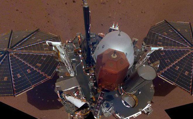 Tàu đổ bộ của NASA thu được những tín hiệu lạ trên Sao Hoả - Hình 1