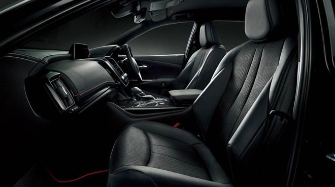 Toyota Crown có thêm phiên bản Sport Style hướng tới giới trẻ - Hình 2