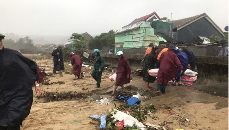 Nam Trung Bộ căng mình chống bão - Hình 1