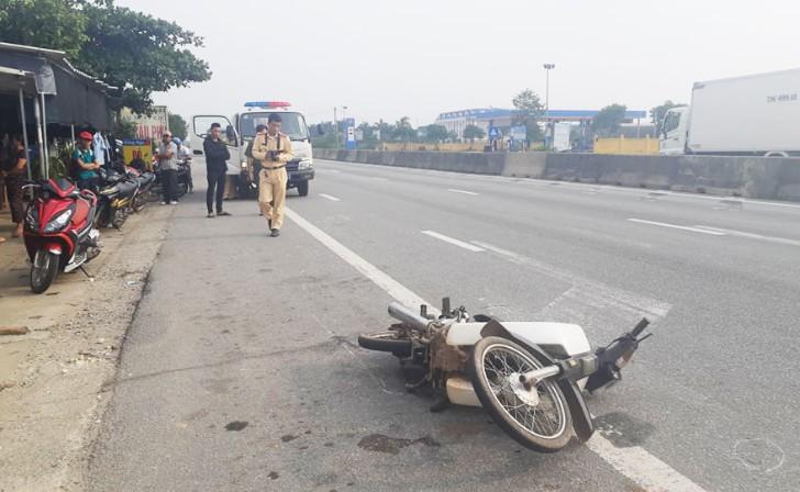 Bỏ chạy sau tai nạn giao thông, tài xế xưng là thiếu tá quân đội - Hình 1