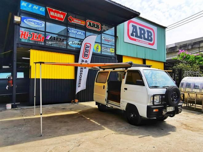 Suzuki Carry Van độ thành xe đi cắm trại ở Việt Nam - Hình 1