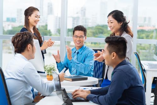 Cứ đi họp là cả nhóm im thin thít, đây sẽ là cách khắc phục giúp chúng ta ghi điểm trong mắt sếp và đồng nghiệp - Hình 1
