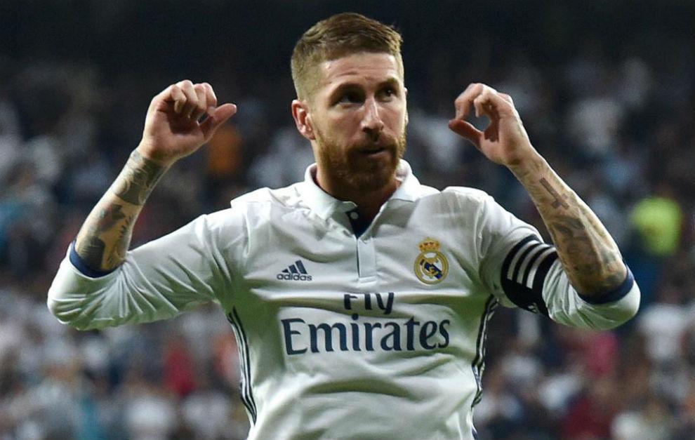 ĐHTB vòng 13 La Liga: Siêu nhân Messi - Hình 2