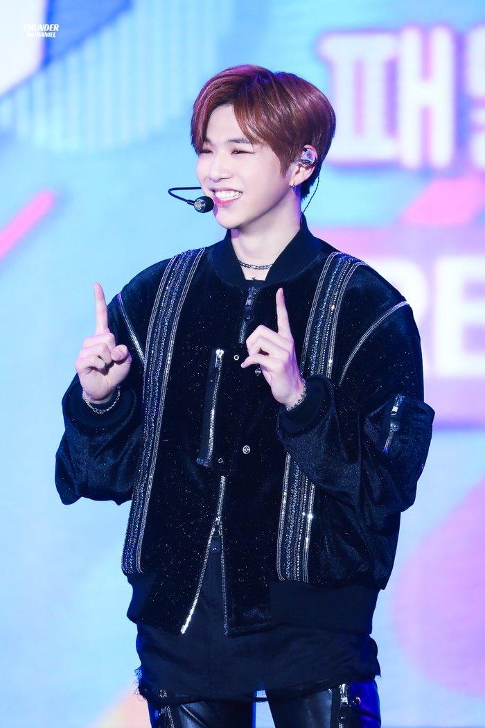 Kang Daniel làm MC show ăn khách Hàn Quốc sau lệnh cấm trên sóng truyền hình được gỡ bỏ - Hình 1
