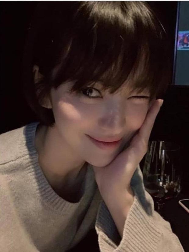 Loạt bí kíp của Song Hye Kyo giúp các quý cô rút được cả tá chiêu skincare đúng chuẩn - Hình 5