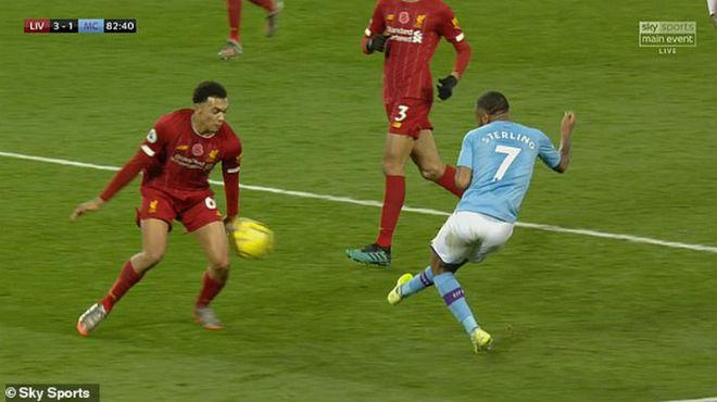 Man City thua Liverpool, Pep cà khịa trọng tài có bị phạt nặng như Mourinho? - Hình 1