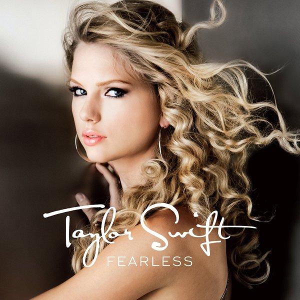 Ngày này năm xưa: 11 năm trước, Taylor Swift đã phát hành một album làm nên tên tuổi công chúa nhạc đồng quê của mình! - Hình 1