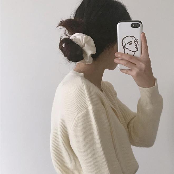 Phụ kiện cho mái tóc nào giúp cho nhan sắc các cô nàng BlackPink ngày càng lên hương? - Hình 1