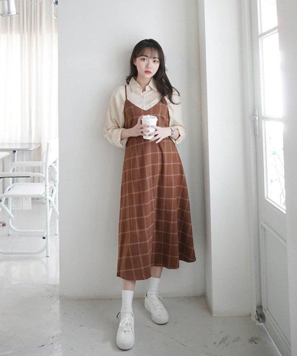 Mùa thu Hà Nội mà diện 1 trong 4 kiểu váy liền này đi làm thì còn gì xinh bằng - Hình 14