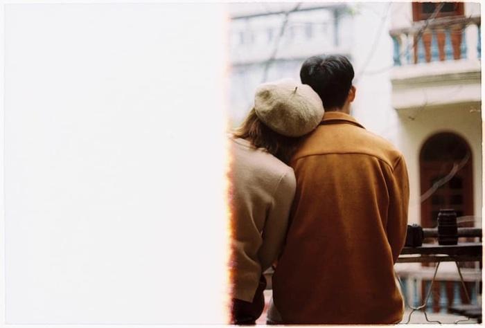 Có một kiểu đàn bà, chỉ cần đàn ông cho họ đủ tình yêu, họ có thể vì anh mà vạch lưng trần hứng cả trời bão tố - Hình 2